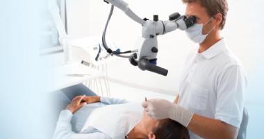 """Лечение зубов под микроскопом по доступной цене в клинике """"Дэнт-Элит"""""""