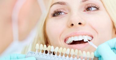Реставрация зубов по доступной цене в клинике