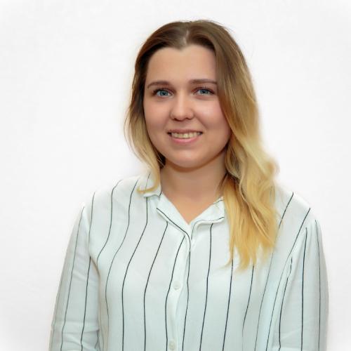 """Пономарева Анна Алексеевна, администратор клиники """"Дэнт-Элит"""""""